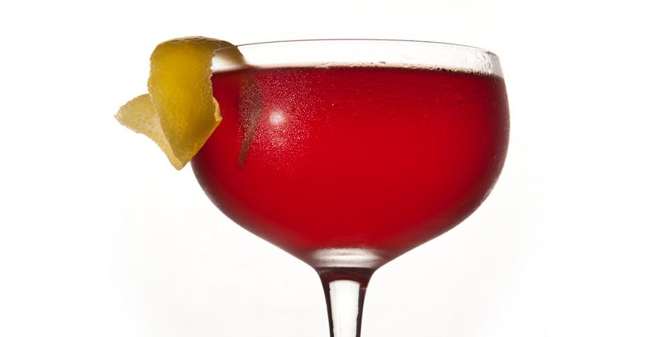 cl Bourbon (oder Rye) 2 cl Campari 2 cl süßer Wermut